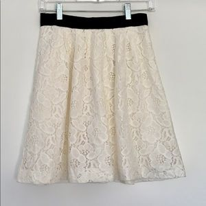 Flowy lace skirt